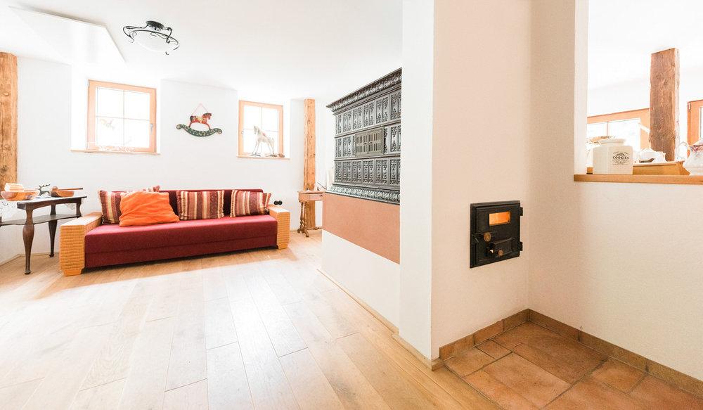 Schaetzle-Ofenbau-Referenz-Kachegrundofen-speicherfaehig-8.jpg