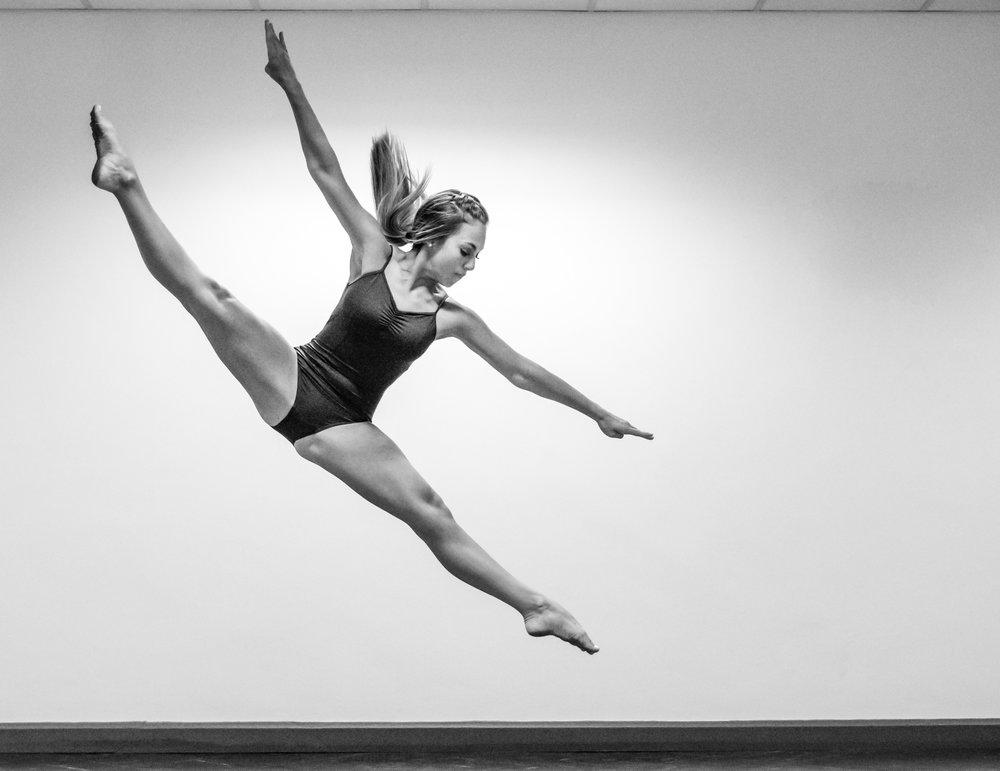 Dancers-3.jpg