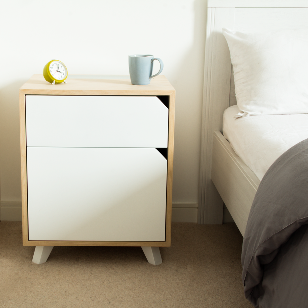 Wabe Bedside table