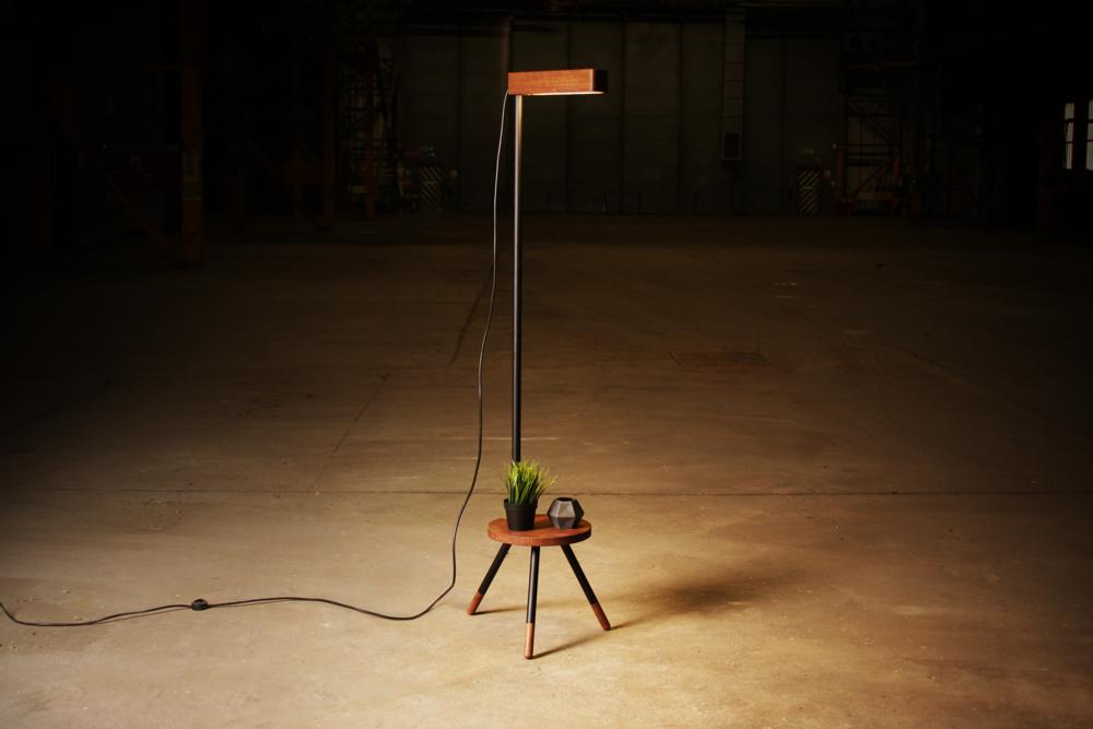 Stela lamp.png