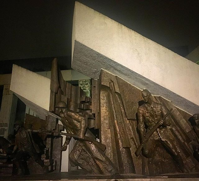 The Warsaw Uprising Monument was unveiled in 1989 to commemorate the #1944 uprising of #Polish resistance forces against Nazi occupation forces. The uprising was brutally suppressed by the Germans, with 85% of the city's buildings destroyed in the fighting. The Red Army, having advanced to the eastern bank of the #Vistula did not support the Polish Home Army's resistance, likely due to Stalin's designs on Poland following the war. Following the crushing of resistance forces, German demolition squads methodically set about destroying as much of the #city as possible (prewar plans had called for its demolition, being converted into a military transit station or artificial lake). Warsaw would be liberated from the Germans in #1945 #war #warmemorial #history #polska #warszawa #varsavia #warsaw #warsawuprising #monument #sculpture #archdaily #socialistmodernism #socheritage #mightypoland #kotwica #wwii #worldwar2