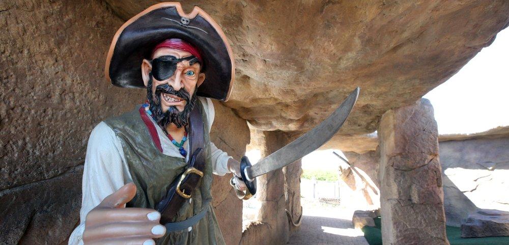 Pirate77.jpg