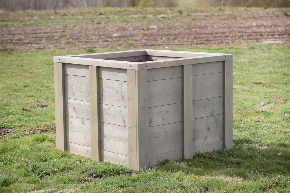 .... Garden compost box .. Dārza komposta kaste ....