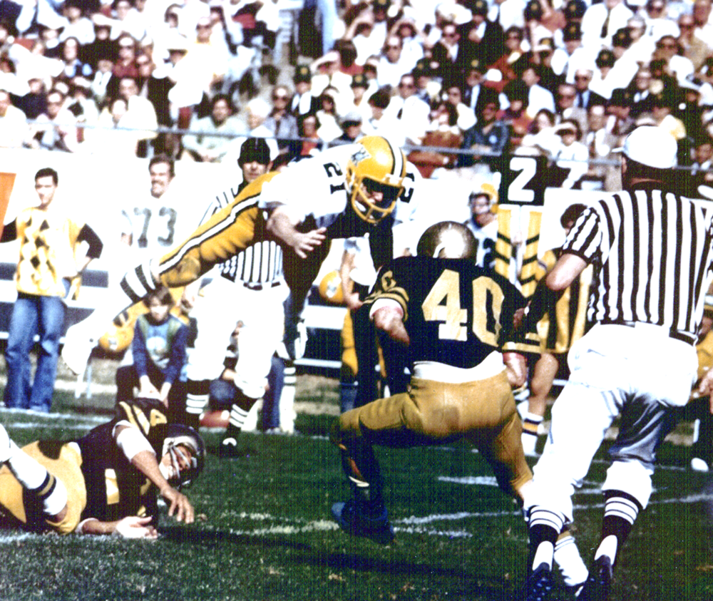 Scott 21 vs Navy 40 1976 PNG.png