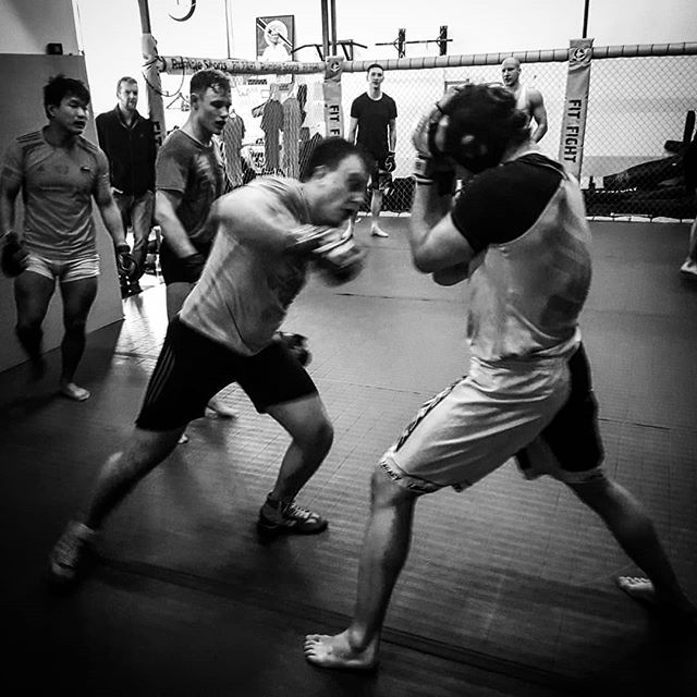 If I hit em high.. #mma #sparring #fight #ufc #cagewarriors #rumblesports #copenhagen #denmark🇩🇰