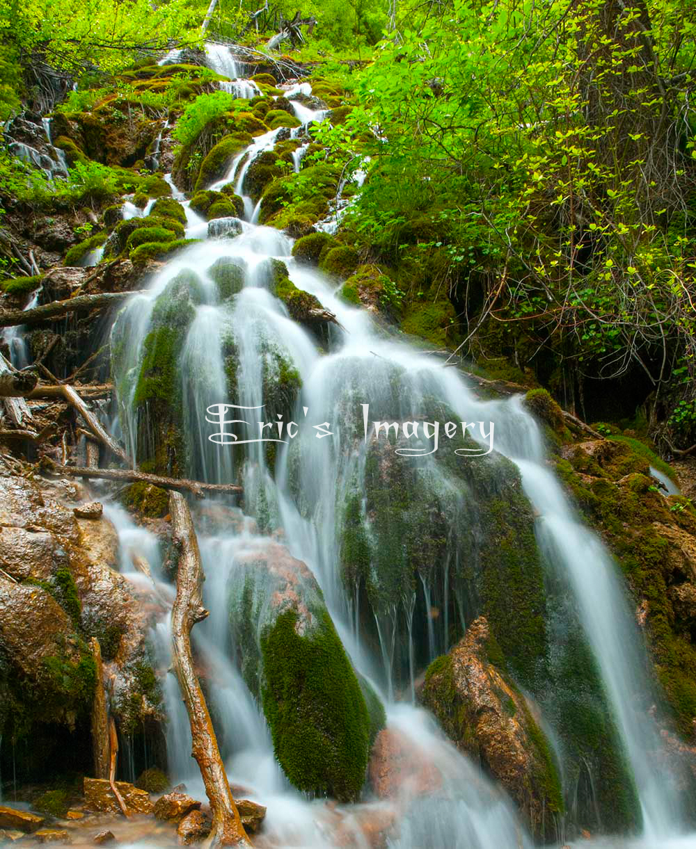 Hanging-Lakes-Cascade.jpg