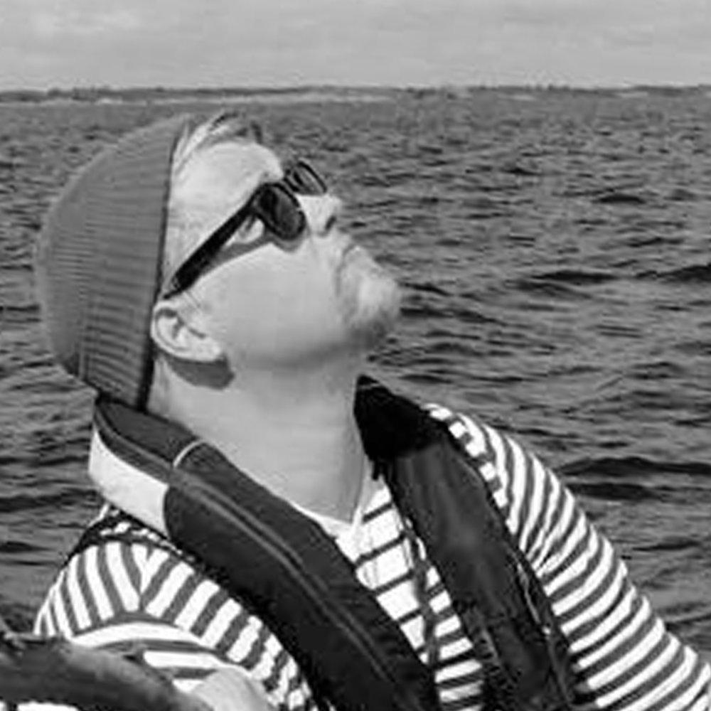 Juuso Räisälä   Projektin kokonaisvastuu  Veneen varustelu, huolto ja kunnossapito ennen ja jälkeen projektin  Puh: 040-7066003  email: juuso@tokka-lotta.com