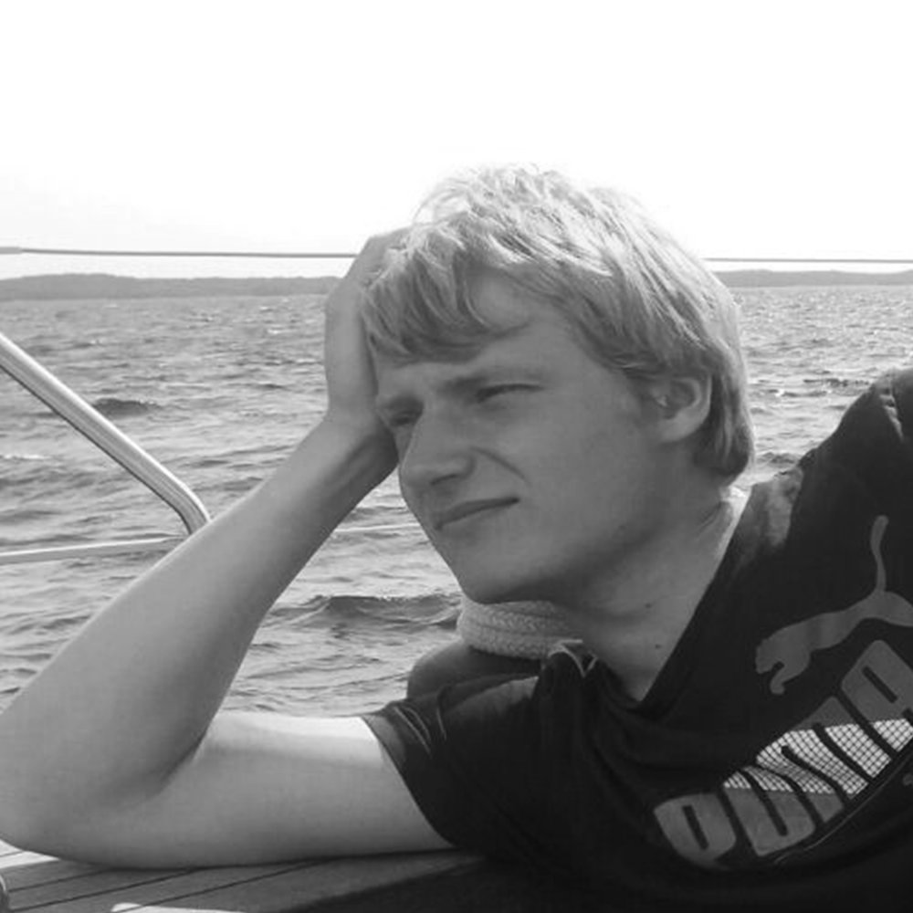 Niko Luntamo   Budjetointi ja hinnoittelu  Kustannusten hyväksyminen, laskutus ja rahaliikenne  Projektin sovittaminen partio-ohjelmaan ja -arvoihin  Yhteistyö Suomen Partiolaisten ja partiopiirin kanssa  Puh: 0400 536 123  email: niko@tokka-lotta.com