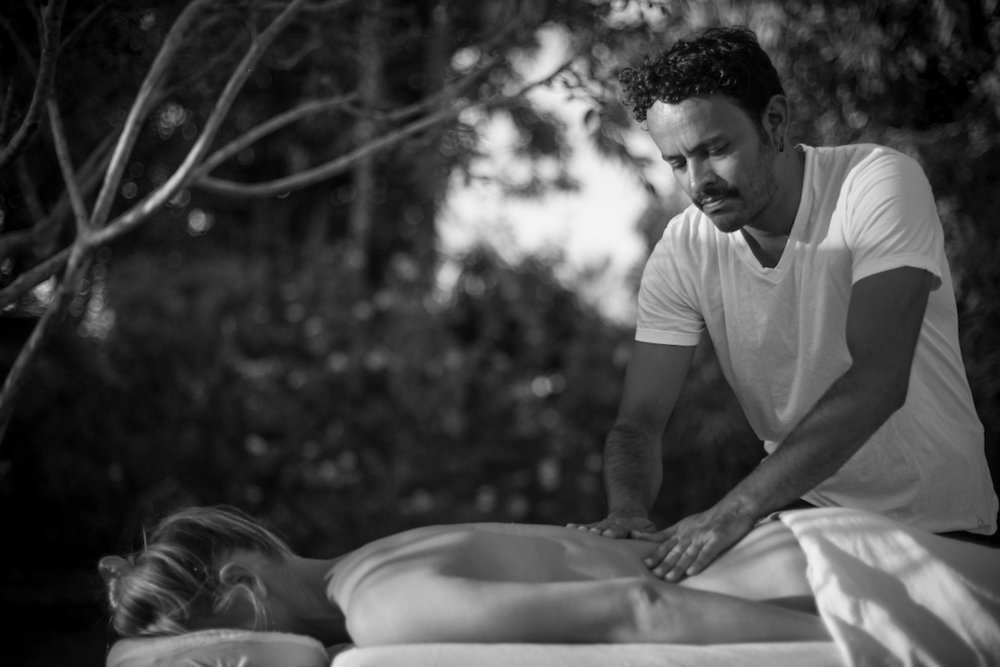 Allow yourself to smooth in into the slow pace of Baja. This is a very soothing massage. Soft, yet firm nourishing massage using long continuos strokes to achieve an state of deep relaxation and contentment. -