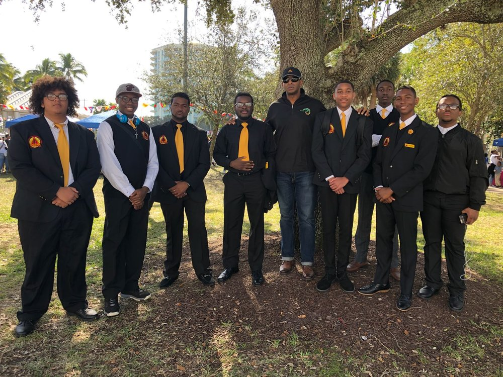 THE PILGRAM GROUP CELEBRATES MLK DAY AT ESPLANADE PARK - The Pilgram Group and the young men of Mentoring Tomorrow's Leader celebrating MLK Day. The Pilgram Group believes in empowering the future leaders of the community through mentorship and education.