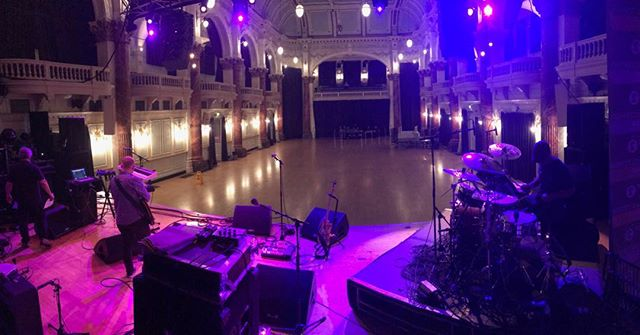 Cheltenham Taaaan Hall tonight looking classy @jrakz @opaudio_london @jmcaudio #cheltenhamjazzfestival