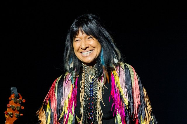 Buffy Sainte Marie.jpg