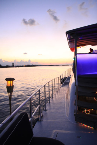 Bermuda-Yacht-UberVida-4658-640x480.jpg