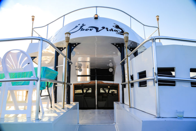 Bermuda-Yacht-UberVida-III7128-640x480.jpg