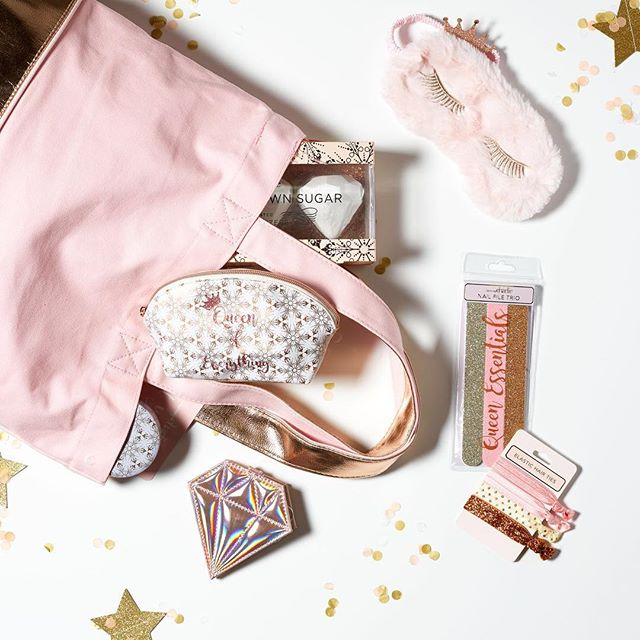 Don't forget to enter our Valentine's Day GIVEAWAY! ⠀ Winner will be randomly selected and announced on Valentine's Day!⠀ Details on first giveaway post!⠀ ⠀ Prize includes: Blush & Rose Gold Tote, Vanilla Brown Sugar Scented Foot Cream, Candle, and Bath Fizzers, Collagen Infused Face Mask, Aromatherapy Neck Wrap, Nail Files and Manicure Set, Sleep Mask, Hair Ties, and Cosmetic Case. ⠀ ⠀ #tricoastaldesign #giveaway #valentinesday #vday #entertowin #blush #rosegold #bathbomb #bathandbeauty #beautyproduct #manicureset #bathbomb #facemask #loveyourself #pamperyourself #enjoylife #thelittlethings #free #freeisfun #sweepstakes