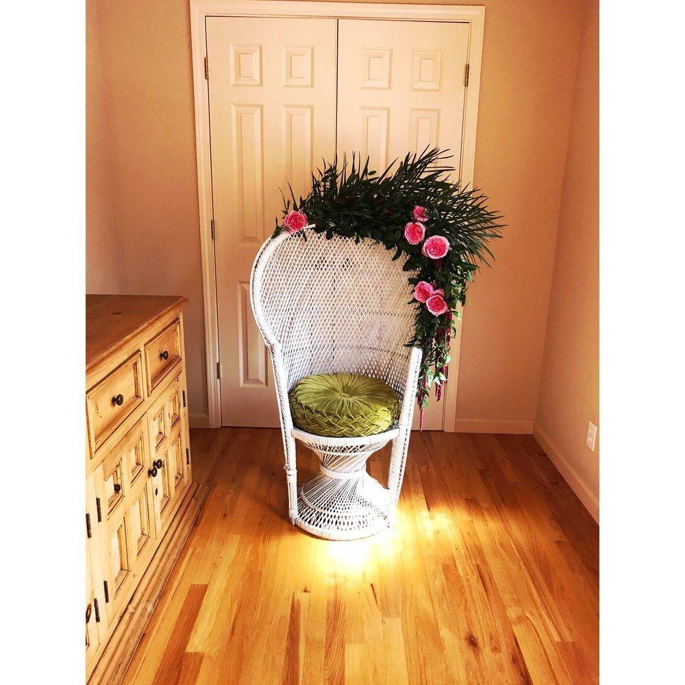 Queen B - Peacock Rattan Chair -(1)