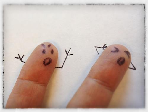 argue fingers