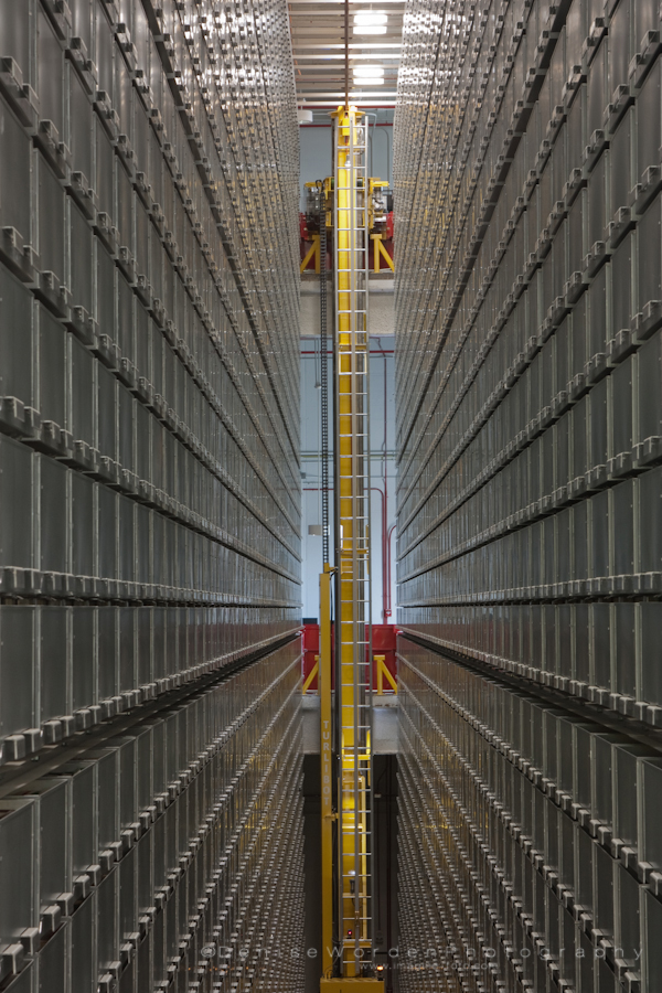 robotic book storage and retrieval system