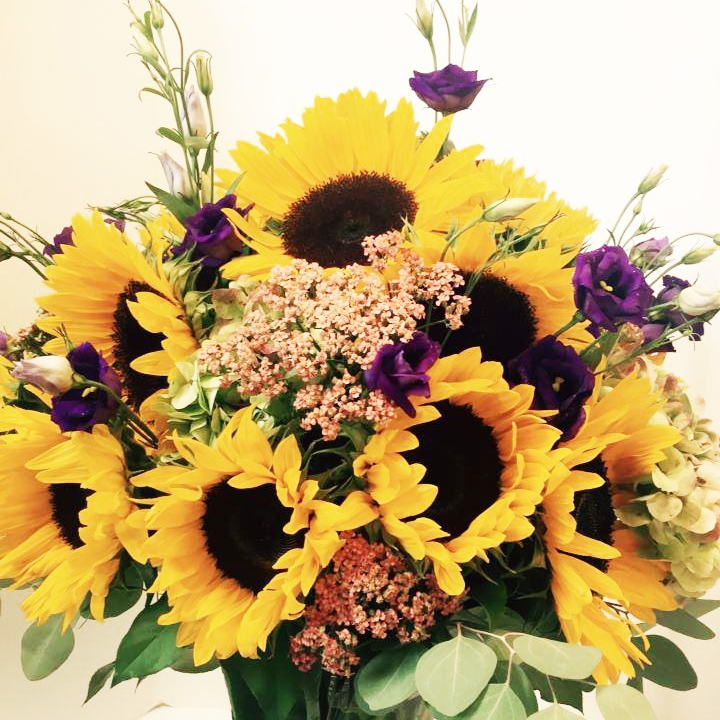 06_HengstenbergsFlorist_Signature_Sunflowers.jpg