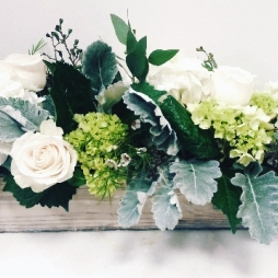 HengstenbergsFlorist_Seasonal_Winter_NaturalEleganceBox.jpg