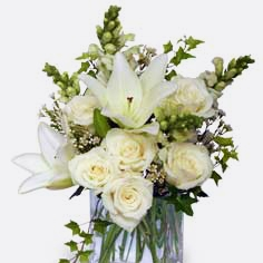 HengstenbergsFlorist_Seasonal_Winter_WonderfulWhiteBouquet.jpg