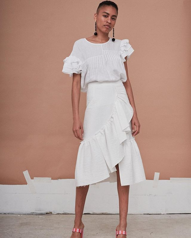 White ruffles skirt is the perfect fit for this hot summer 🔥🔥@rachelcomey