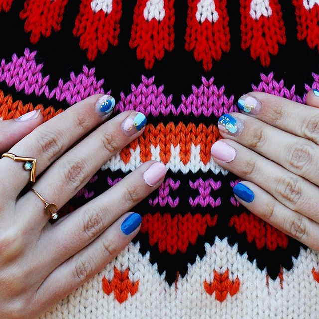 Sweater. Weather. 🤗✨ . . . #manimonday #flashesofdelight #nailedit #sweaterweather #fairisle