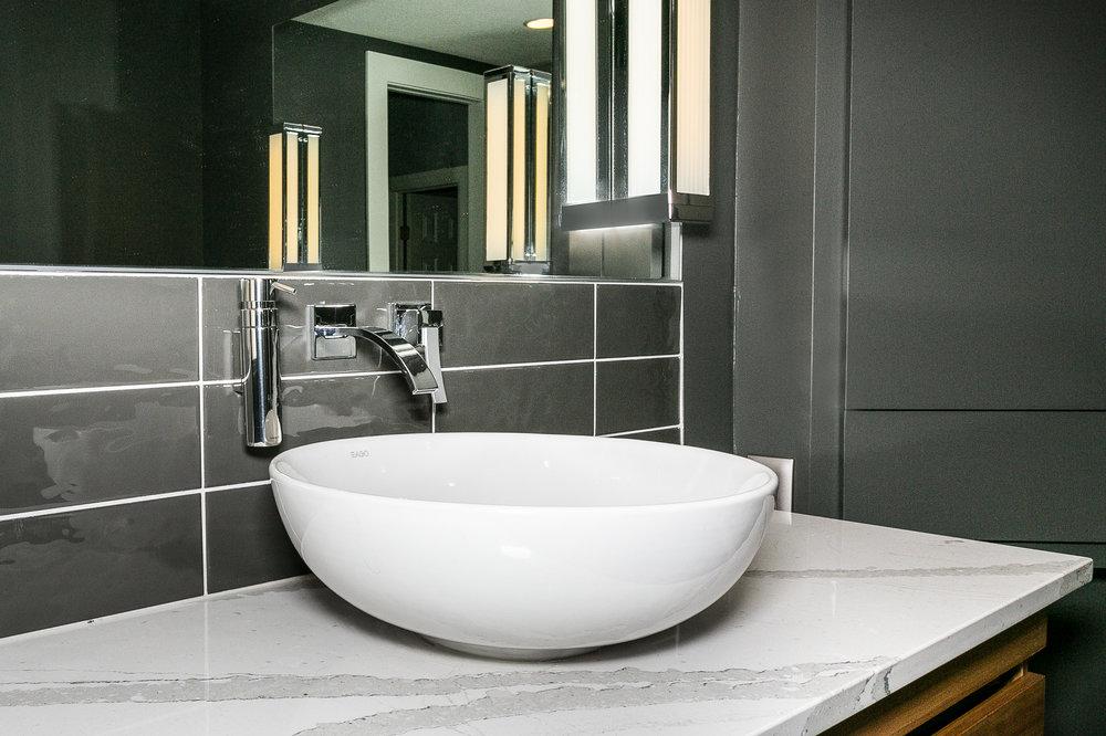 321 Gateway Master Bath-4.jpg