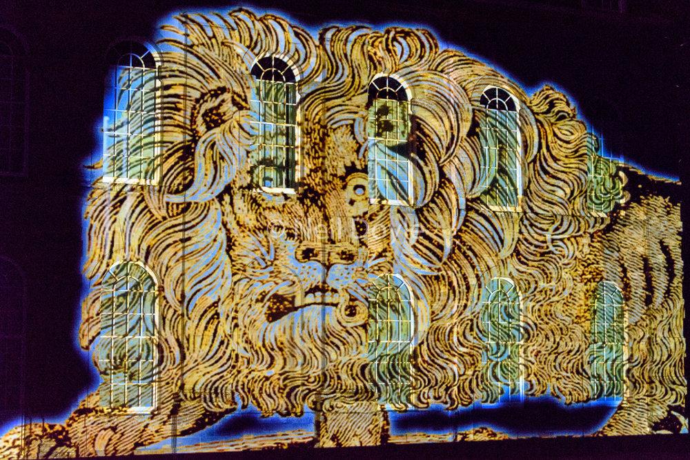 Leo lumière