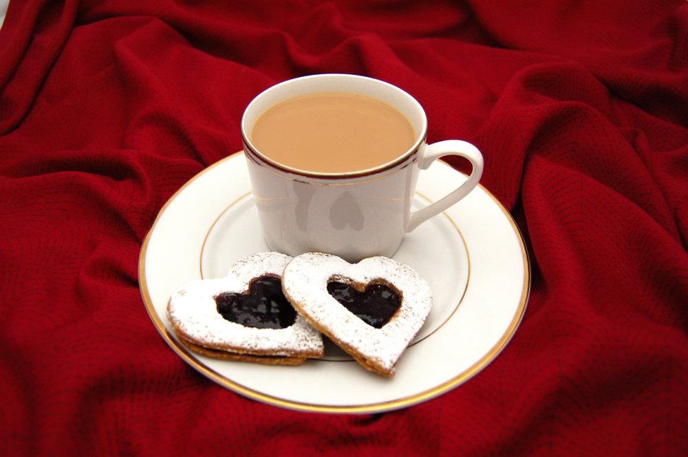 MASALA CHAI - {Chai Masala Arvinda's}Une recette pour la préparation de l'authentique Chai, le thé traditionnel indien aux épices, avec du sucre et du lait. Une boisson réconfortante qui peut être apprécié à toutmoment de la journée.