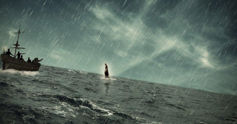 jesus_walks_on_water3.jpg