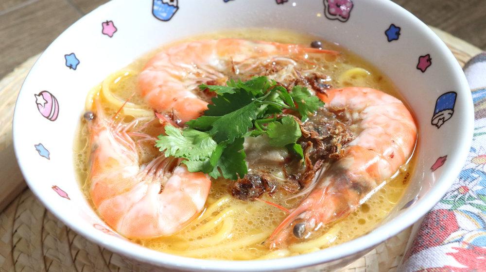 two-bad-chefs-prawn-noodle-dish-01.jpg