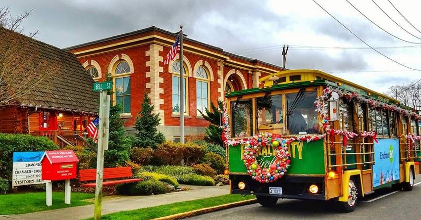 Edmonds_holidays_trolley.jpg