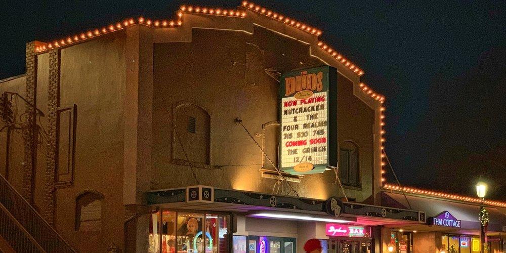 Edmonds_Holidays_Theater_Night.jpg