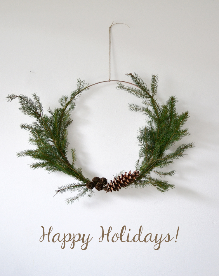 happy holidays - simple Christmas wreath | Inspire Styling