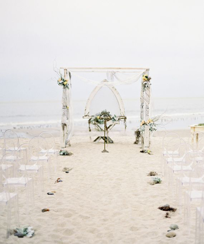 Nautical shipwrecked wedding | photo by Jose Villa | 12 ideeën voor een strandbruiloft | inspire styling