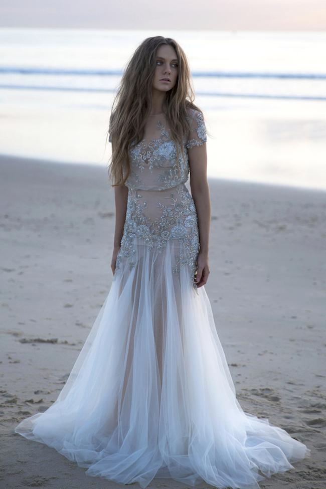 inbal dror gown - jennifer stenglein photography | 12 ideeën voor een strandbruiloft | inspire styling