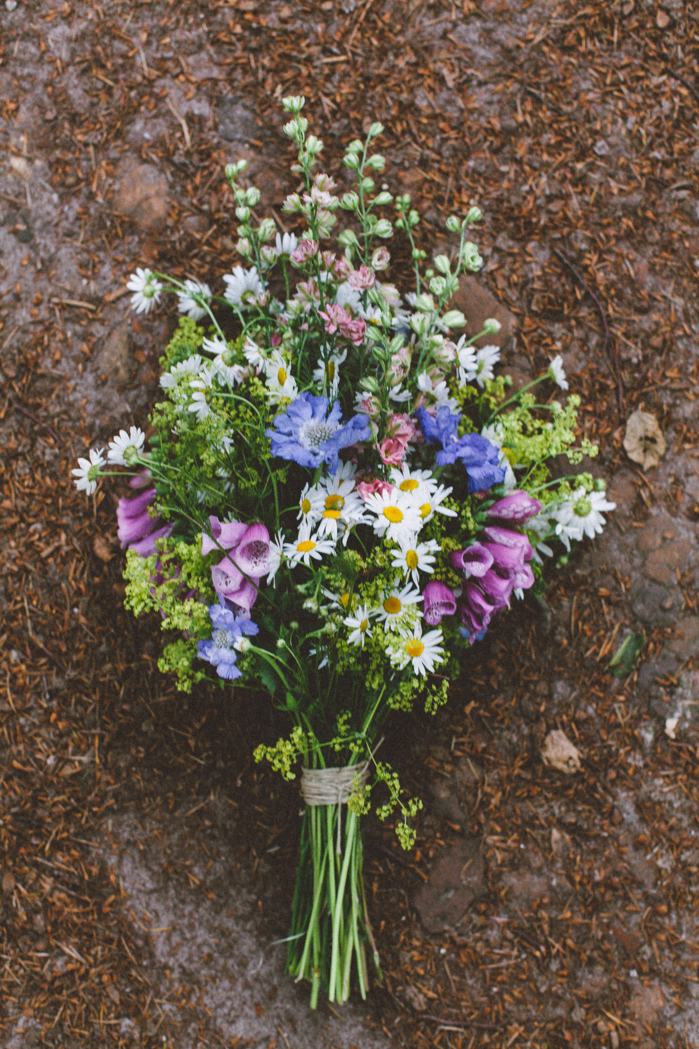wedding in the woods . wildflower bouquet . inspire styling . oak and fir