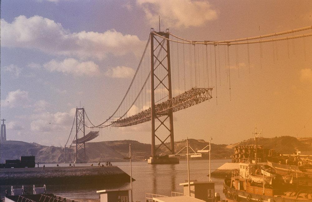 fissures-travaux-urgence-ponte-25-abril-portugal.jpg