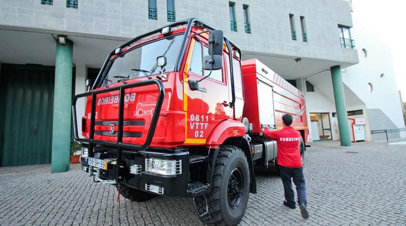 bombeiros-naufrage-lisbonne-portugal