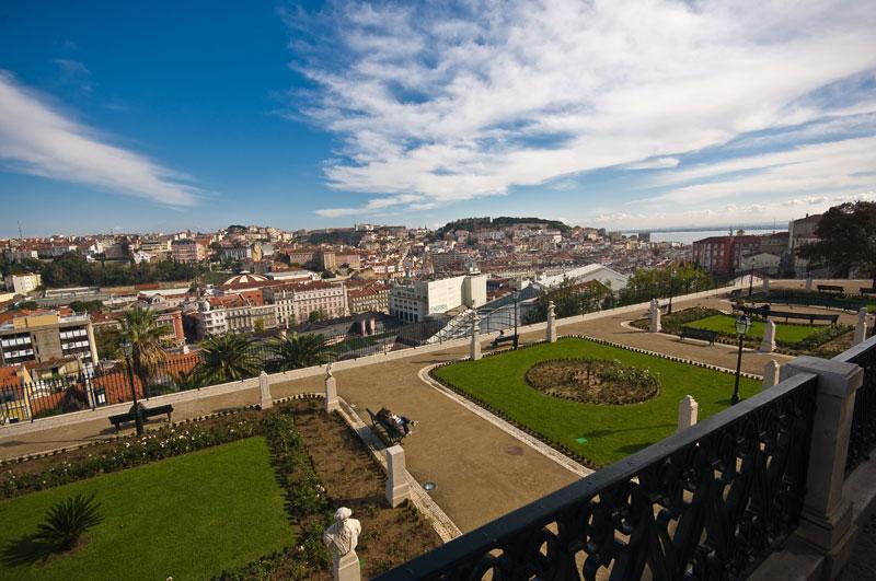Si vous souhaitez profiter d'une vue à l'ombre, visitez le Mirador de São Pedro De Alcântara