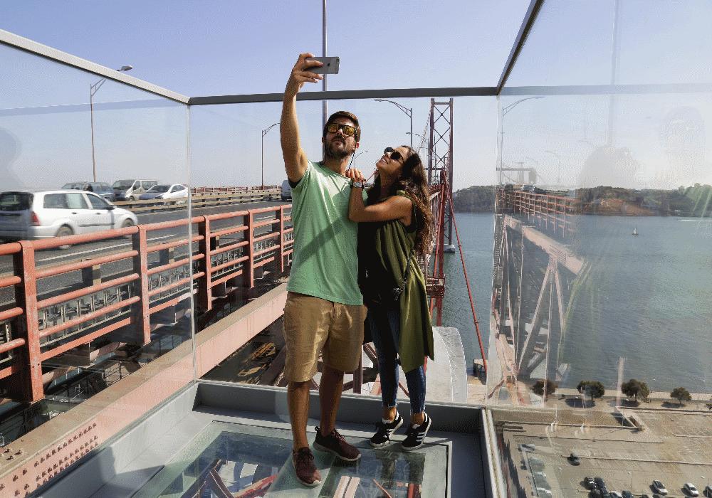 La vue depuis l'ascenseur du Pont du 25 Avril est à couper le souffle !