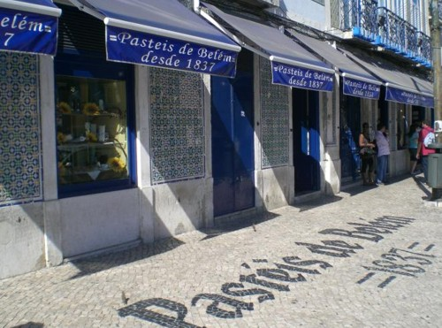 The historic bakery Pastéis de Belém will be a pleasure for your mouth