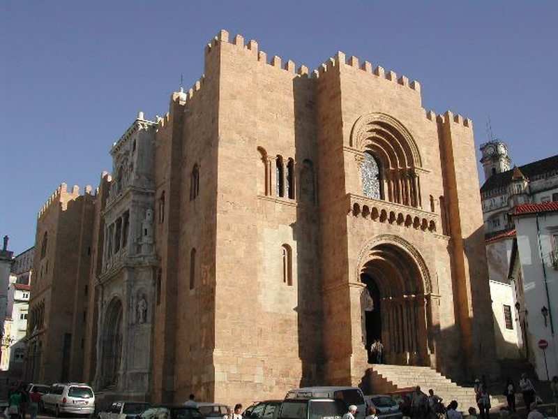L'imposante Cathédrale Sé Velha