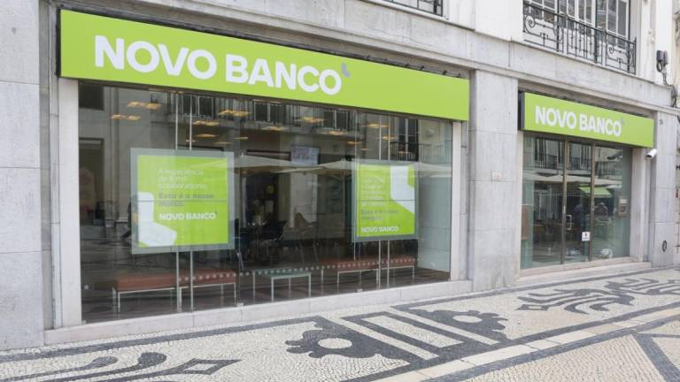 Novo Banco agencies disappear across Portugal, but not losses