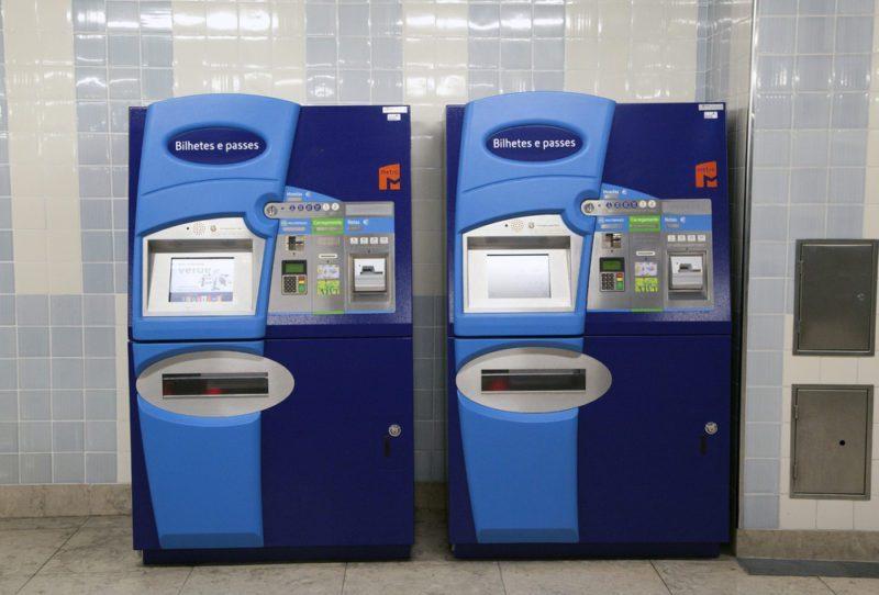 Le nombre de machines automatiques disponibles n'est pas suffisant pour répondre aux pics de demandes