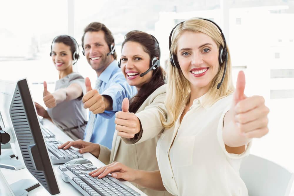 Rassurez-vous, travailler en call center ne vous donnera pas cet air niais