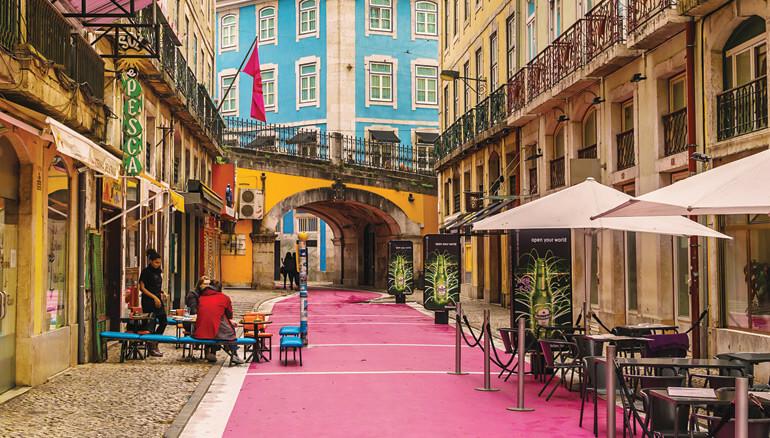 Pink Street est un lieu réputé des nuits lisboètes