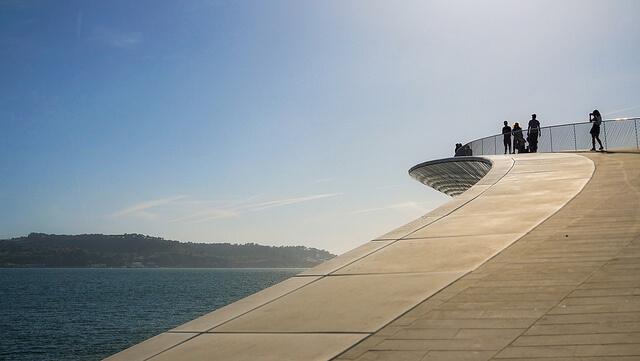 Le Portugal offre des contrastes entre nature et de modernité