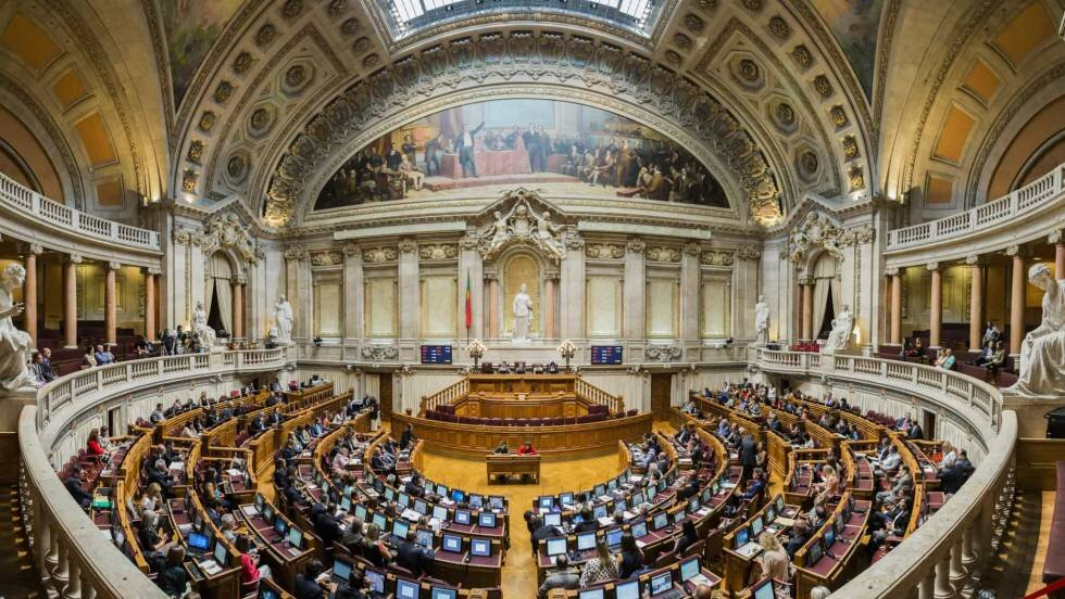 Nhr Status Portuguese Government Decides To Tax Retirees At 10 Irs And Abandons The Minimum Amount Of 7 500 Euros Lisbob
